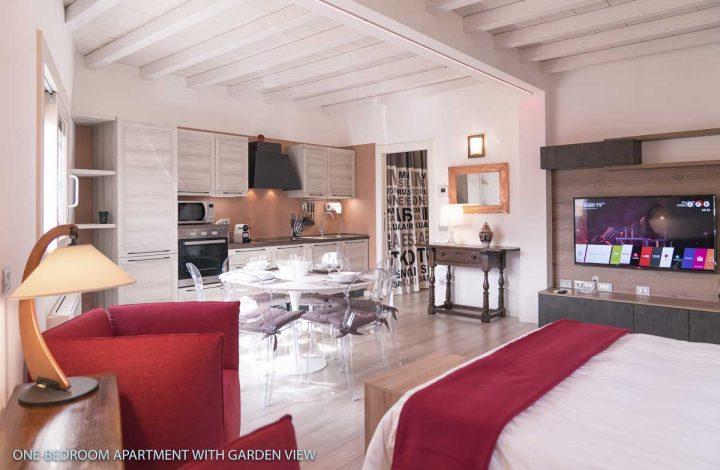 B1 Appartamento con una camera da letto e vista giardino
